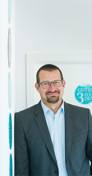 Dr. Bernd Bursa –robotic surgery specialist